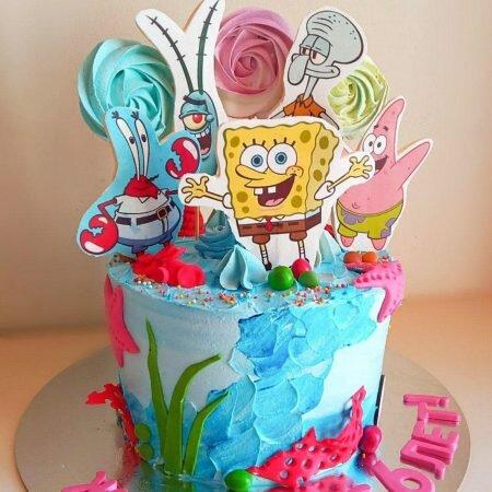 На фотографии детский торт со сказочными персонажами, производителя кондитерских изделий на заказ Шарлотка.
